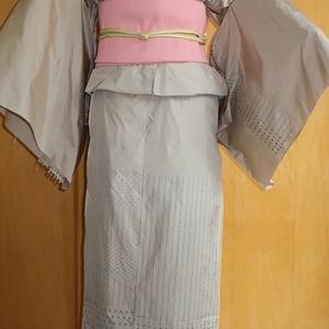 仮仕立て/サンドベージュ色の大島紬